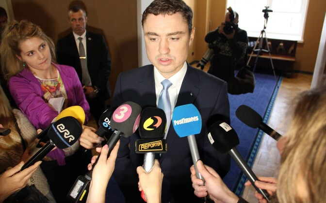 Ceci n'est pas un coup d'état: Prime Minister Taavi Rõivas lost his coalition partners. He was not deposed