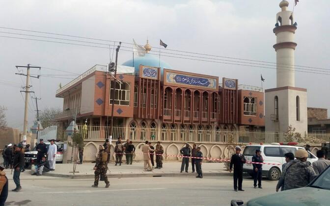 Около мечети в Кабуле была выставлена усиленная охрана.
