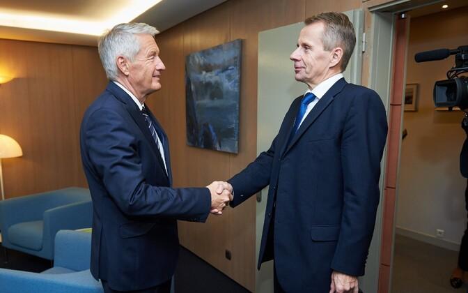 Министры иностранных дел Кипра и Эстонии Иоаннис Касулидис (слева) и Юрген Лиги.