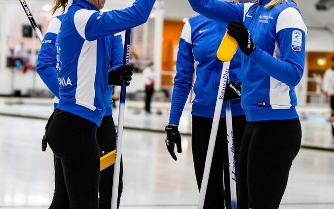 Eesti curlingunaiskond