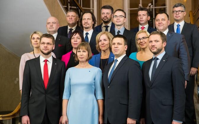 President Kersti Kaljulaid with Prime Minister Jüri Ratas and his government.