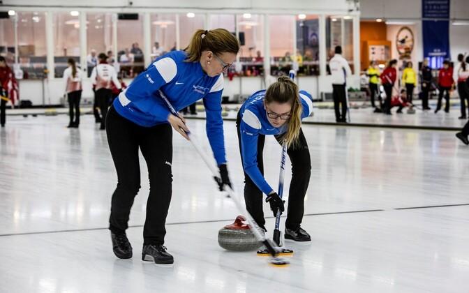Eesti naiste curlingukoondis