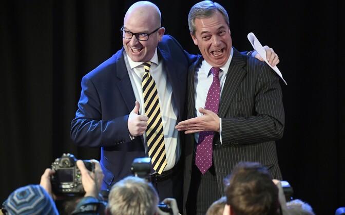 Paul Nuttall koos UKIPit ajutiselt taas juhtinud Nigel Farage'iga.