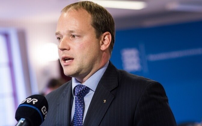 Former Minister of Public Administration Arto Aas had his Dropbox access data stolen in as well; he was chairman of the Riigikogu's EU Affairs Committee at the time.