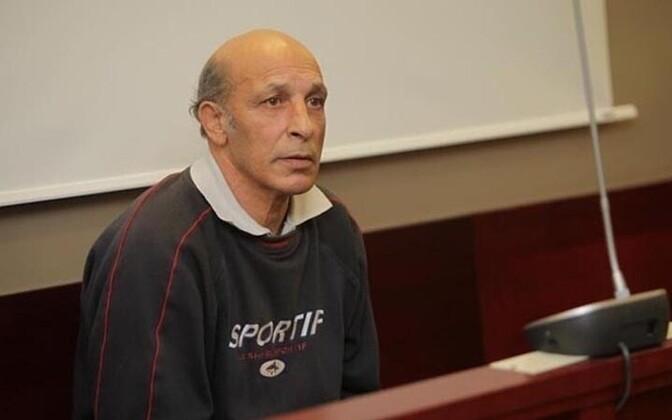 Аугуст Буркевич отбывает пожизненное тюремное заключение, но его дело будет пересмотрено.