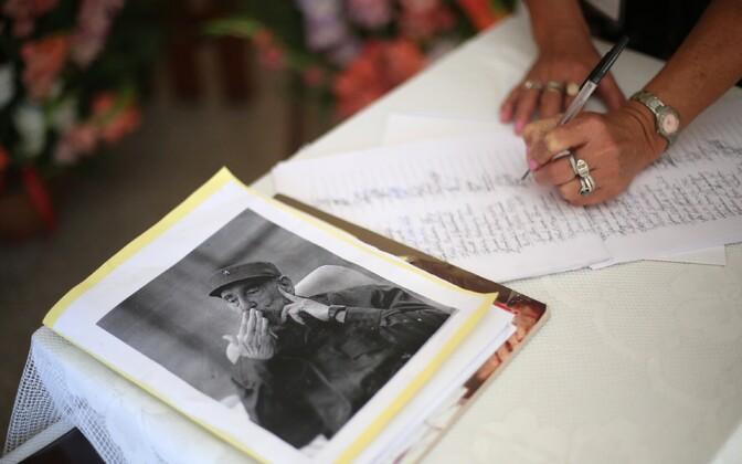 Kaastunderaamat Fidel Castro mälestuseks.