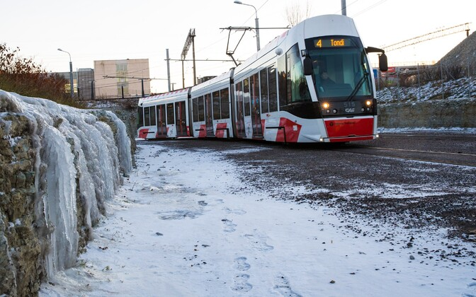 The number 4 tram will go all the way out to Tallinn Airport in the future.