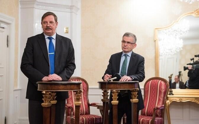 Acting mayor of Tallinn, Taavi Aas (left), with the mayor of Helsinki, Jussi Pajunen.