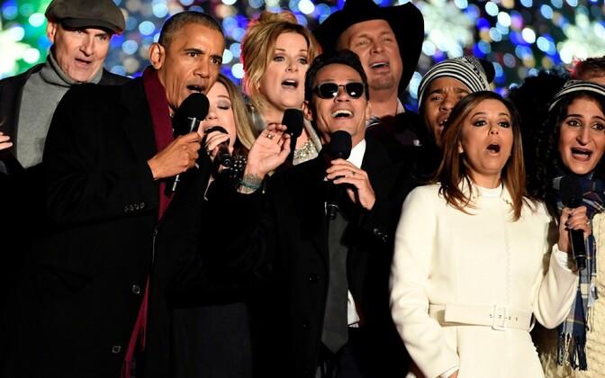 Obama süütas tuled jõulupuul