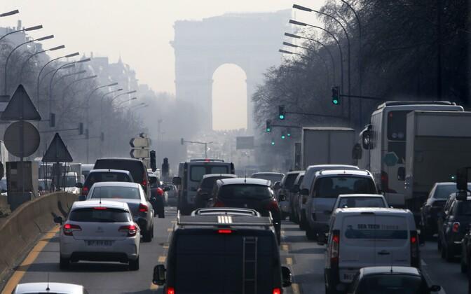 Autod Pariisis.