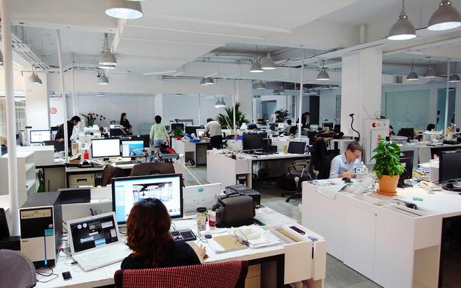 Kontoritöötajad avatud kontoris
