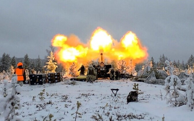 Howitzer firing during a large-scale exercise of the Finnish army, November 2016.