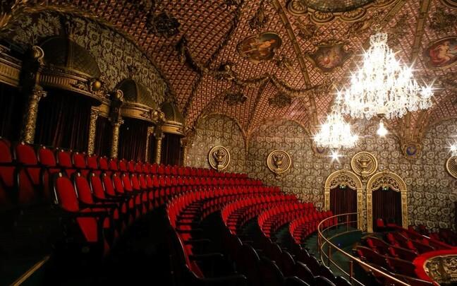 Большой зал Русского театра Эстонии.