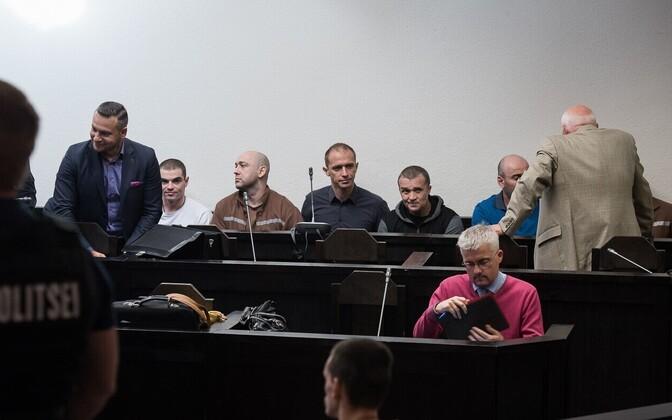 Vandeadvokaadid Dmitri Školjar ja Anatoli Jaroslavski kohtus.