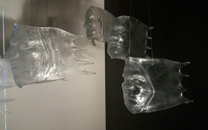 Raplas on esindatud lehtklaas ja suured installatsioonid.