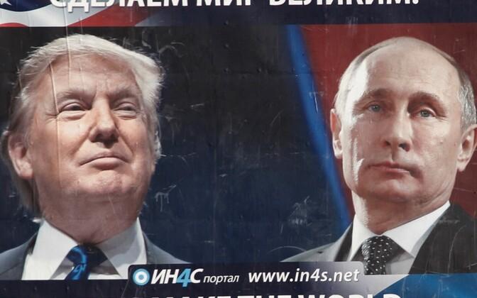 Donald Trumpi ja Vladimir Putinit kujutav plakat Montenegros.