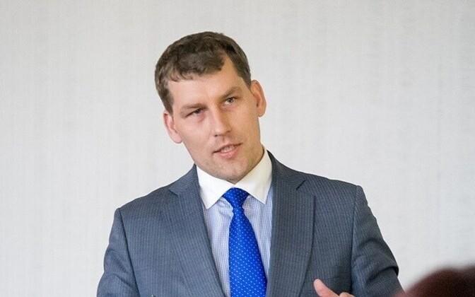 MP Andres Metsoja (IRL).