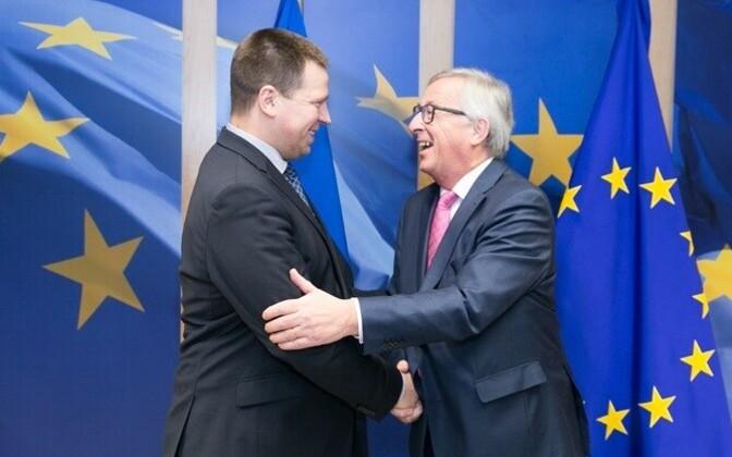 Prime Minister Jüri Ratas (Center) with President of the European Commission Jean-Claude Juncker.