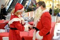 Тармо Таммисте примеряет костюм Санта Клауса