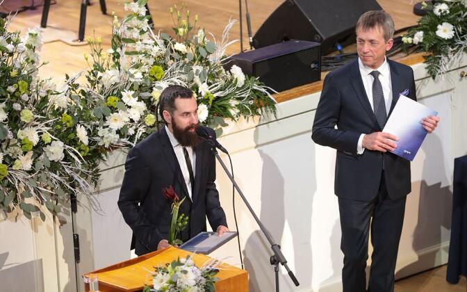 Журналист ETV+ Александр Хоботов.