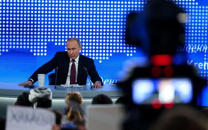 Venemaa president Vladimir Putin suurel pressikonverentsil 23. detsembril.