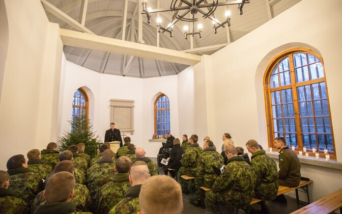 Conscripts attend a Christmas service at the Defence Forces Cemetery of Tallinn. Saturday, Dec. 24, 2016.