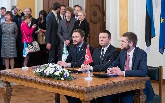 The chairmen of the government parties at the signing of the coalition agreement: Margus Tsahkna (IRL), Jüri Ratas (Center), Jevgeni Ossinovski (SDE). November 2016.