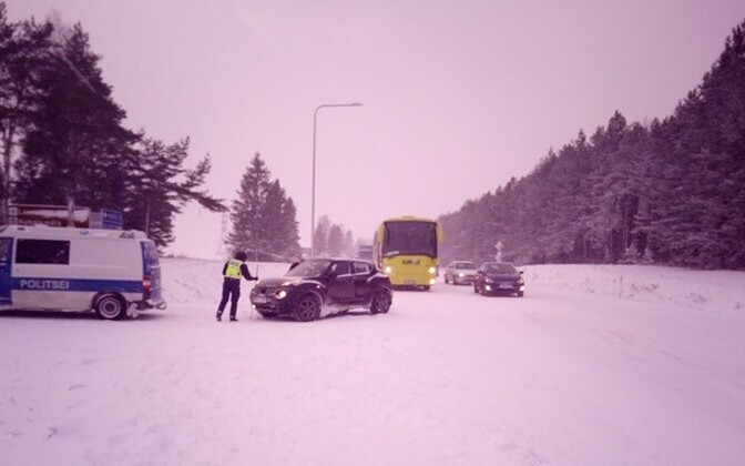 Police at the scene of a traffic accident, Lääne-Viru County.