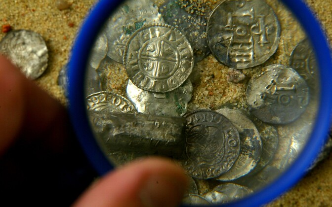 Discovery of historical silver coins in Estonia. May 5, 2005.