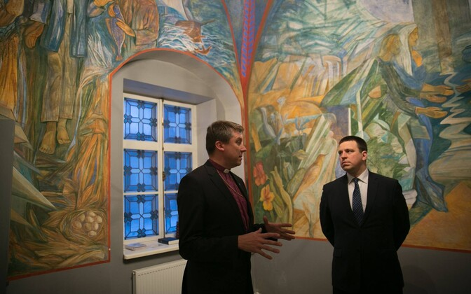 Archbishop Urmas Viilma (left) with Prime Minister Jüri Ratas.