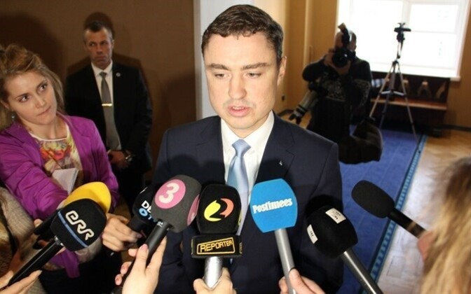 Prime Minister Taavi Rõivas' getting voted out of office was reported by many foreign publications in a tone that suggested a coup rather than parliamentary procedure. This led to a temporary increase in English press releases by the government