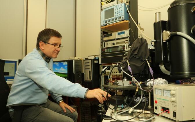 Tartu ülikooli füüsika instituudi materjaliteaduse vanemteadur Eduard Feldbach.