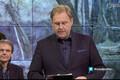 Saatejuht Urmas Vaino ohjab üha tulisemaks kippuvat suude puhtaks rääkimist.
