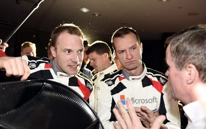 Jari-Matti Latvala (vasakul)