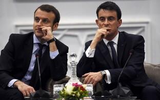 Macron (vasakul) ja peaminister Valls eelmise aasta aprillis, kui nad veel koos valitsuses olid.