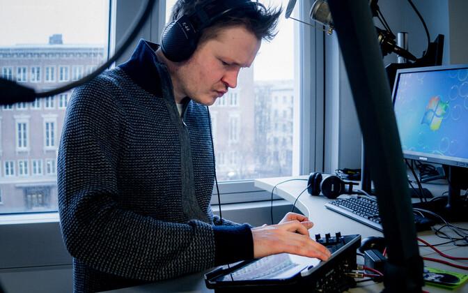 Kristjan Randalu Raadio 2 stuudios