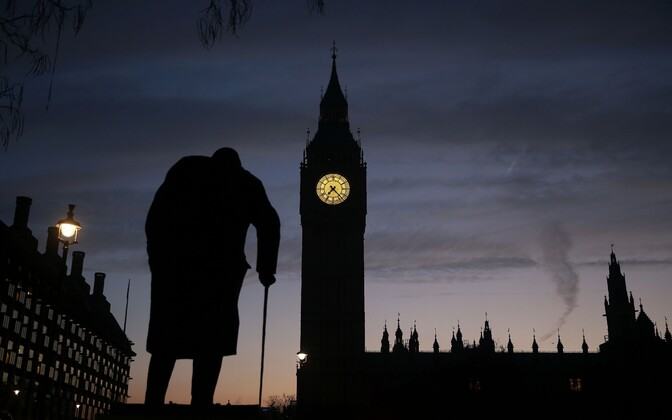 Winston Churchilli kuju ja Big Ben Londonis.