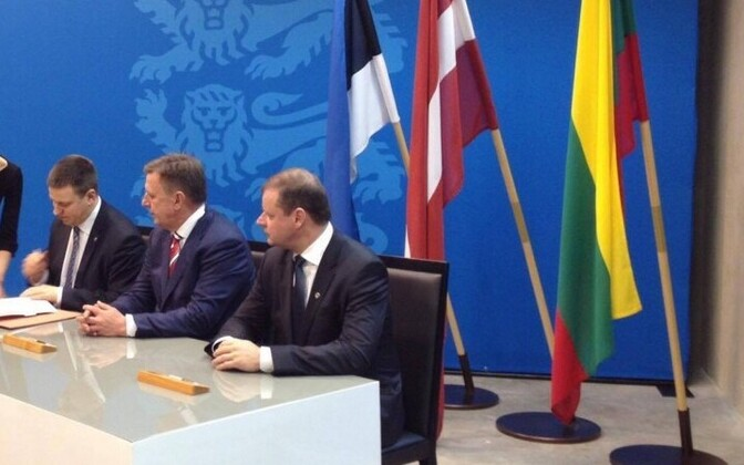 The three Baltic prime ministers at the signing of the Rail Baltic agreement in Tallinn. Jan. 31, 2017.