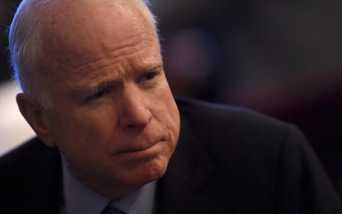 Джон Маккейн скончался 25 августа..