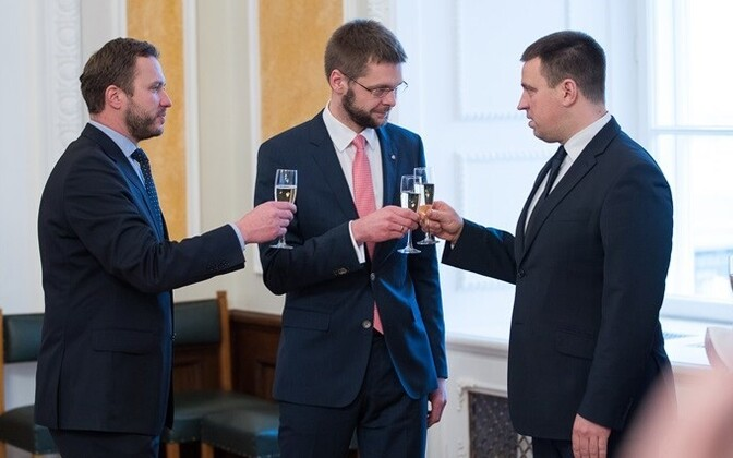 While the Center Party of Prime Minister Jüri Ratas (right) led the polls in January, its partners in the coalition faced falling or unchanged ratings. The Social Democrats under Jevgeni Ossinovski (center) dropped to 10 percent, IRL led by Margus Tsahkna