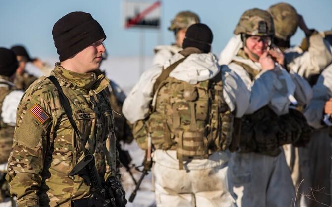 Eesti ja USA sõdurid talveretkel  Kirde-Eestis.