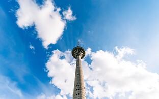 Телебашня стала одним из символов достижения независимости, поскольку именно около нее в 1991 году прошел ряд важных событий.
