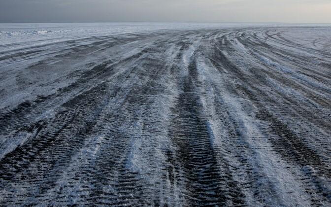Ice road in Estonia. Photo is illustrative.