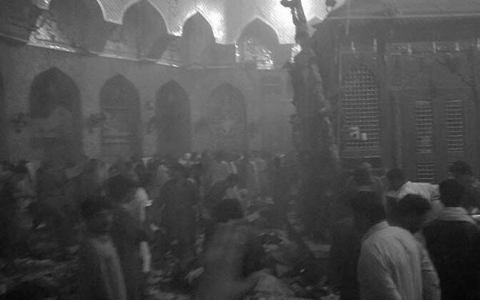 Взрыв в пакистанской мечети.