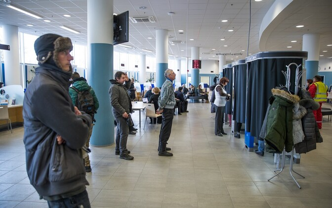 Long lines for identity document renewals have cropped up at the PPA's two service points in Tallinn.