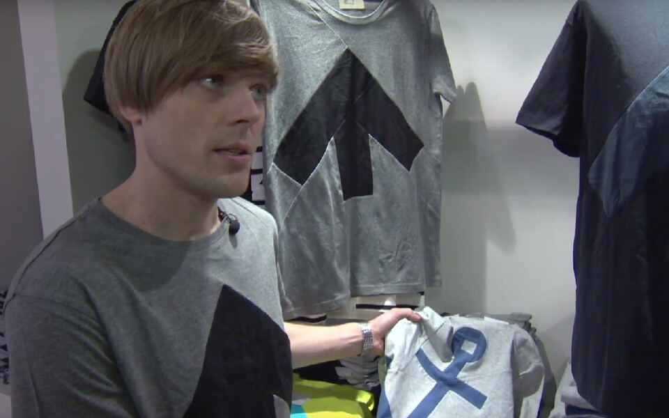 Reet Ausi ja tema meeskonna välja töötatud tarkvara võimaldab tekstiili- ja rõivatööstuse jääkides teha uusi tooteid, näiteks upshirte.