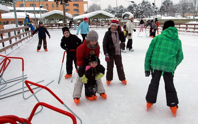 Children ice skating during winter break.