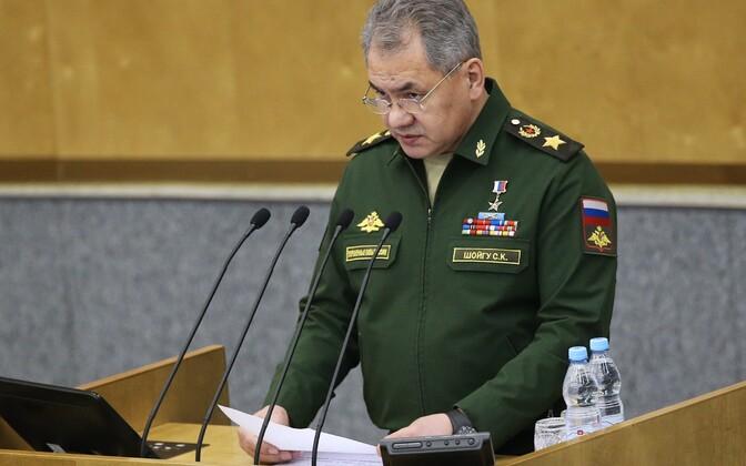Vene kaitseminister Sergei Šoigu riigiduuma ees.