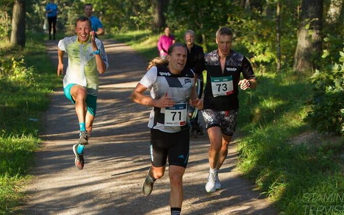 Roman Fosti (vasakul)