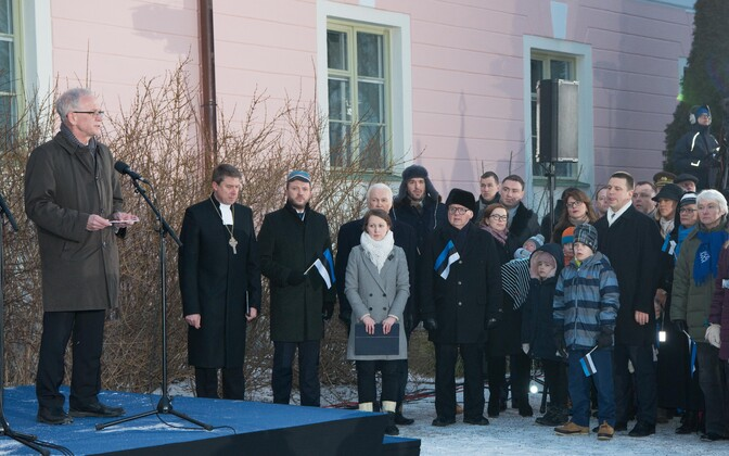 President of the Riigikogu Eiki Nestor speaking to the people attending the flag hoisting ceremony, Feb. 24, 2017.